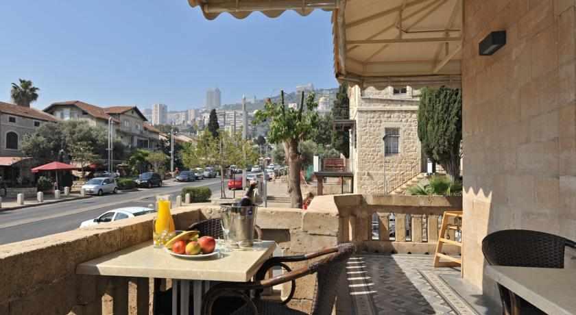 מרפסת מלון קולוני חיפה