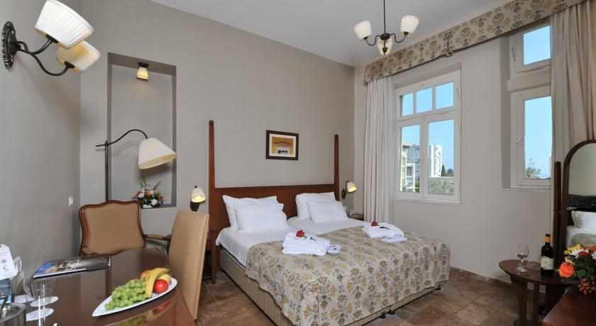 חדר זוגי מלון קולוני חיפה