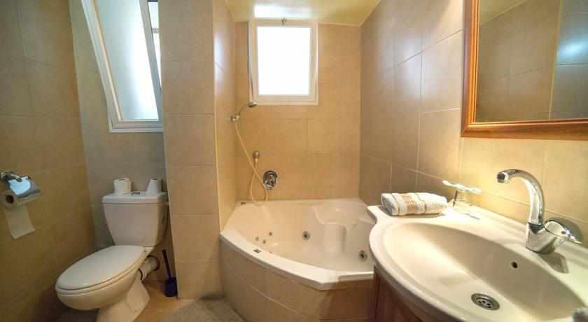 אמבטיה מלון עדן חיפה