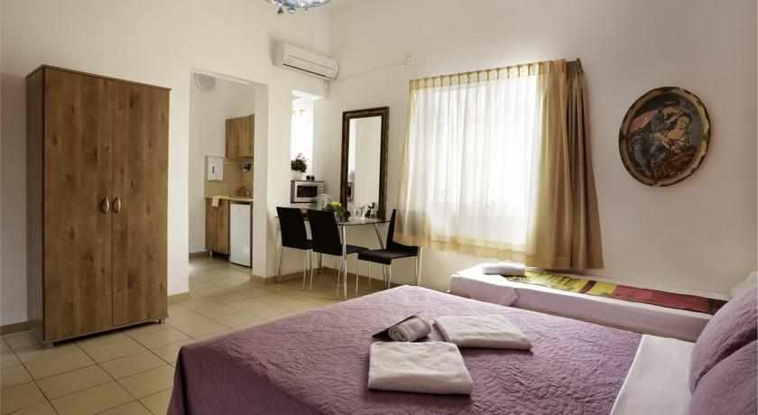 חדר לשלושה מלון לואי בחיפה