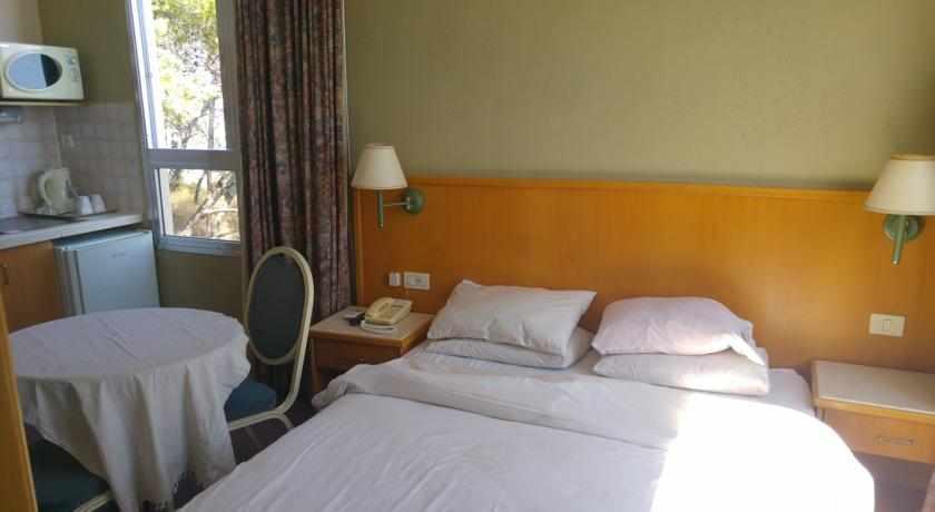 חדר זוגי מלון מרום חיפה