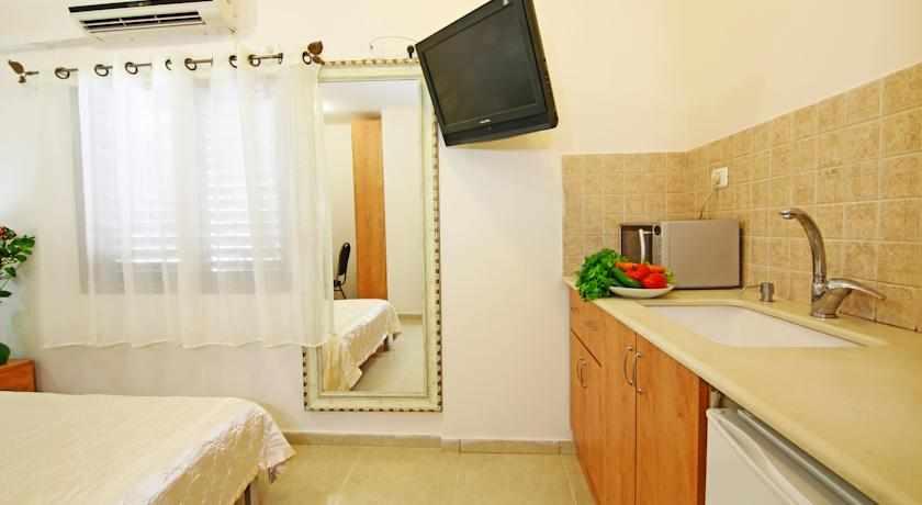 חדר משודרג מלון סי פלאזה חיפה